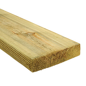 Wickes Treated Kiln Dried C16 Timber - 45 x 195 x 3000 mm