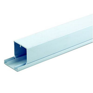 Wickes Maxi Trunking - White 50 x 50mm x 2m